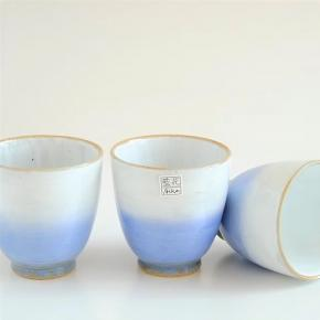 Afbeelding Cloudy blue teacup
